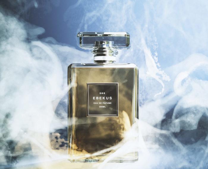 香水の広告CG